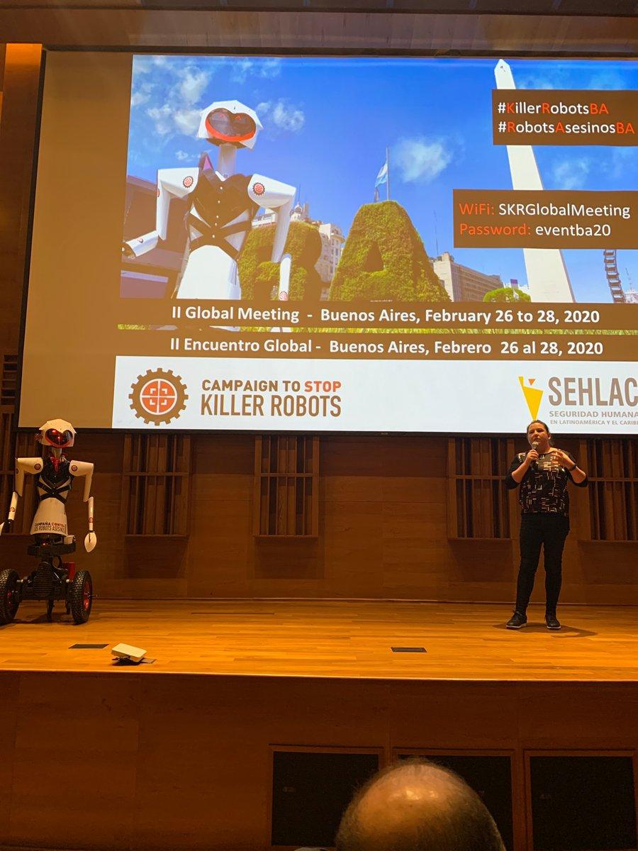 Estamos presentes en el II Encuentro Global de la Campaña para Detener Los Robots Asesinos. Habla experta de software de Google: objeta el uso de inteligencia artificial para la guerra. #RobotsAsesinosBApic.twitter.com/mxKEFSO4Sb