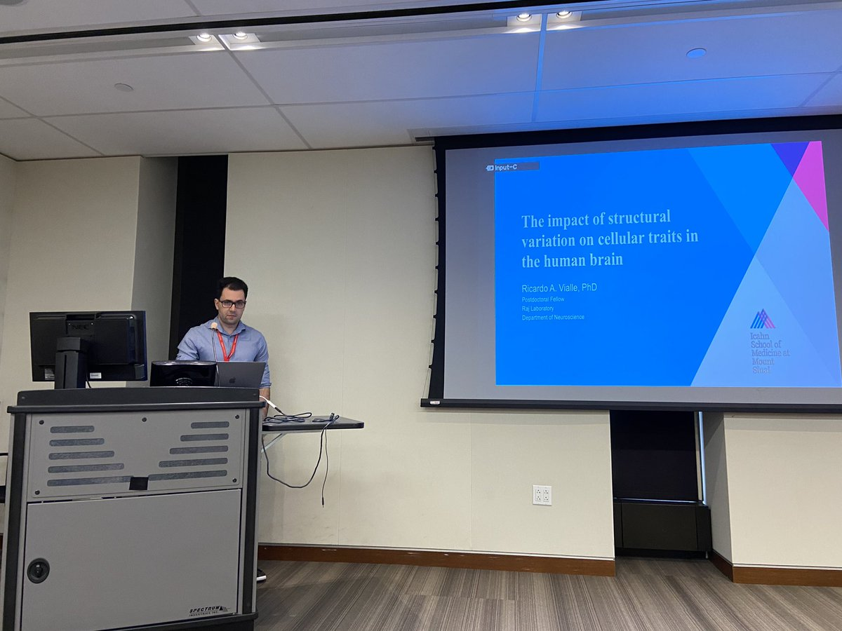 @ricardovialle presenting on large scale analysis of structural variants (~1800 WGS) and their impact on cellular traits @SinaiGenetics WIPpic.twitter.com/sOjFEKZmsS