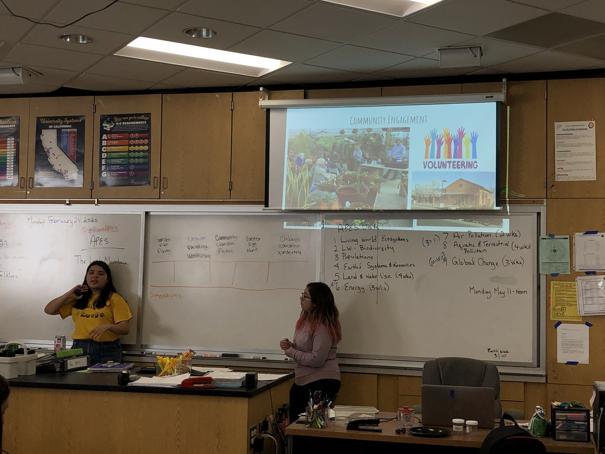 On Monday,  #PermacultureYouthLeaders got feedback from youth in #Fresno's 93706 zip code on ways to improve the YoVille Permaculture Garden and fresh ideas for community engagement.   @fresnometmin @FresnoHousing @UCMasterGardenpic.twitter.com/njY48Me5im