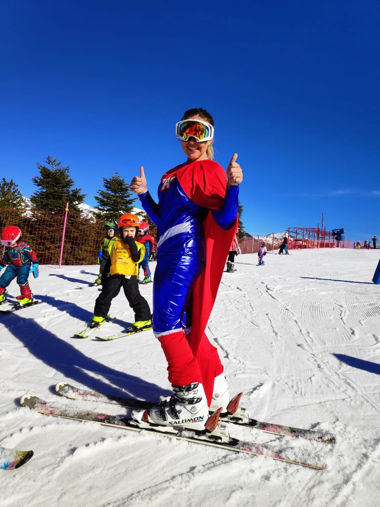 Carnaval carnaval 🎉#snowplus #ski #mountaingirl #instructor