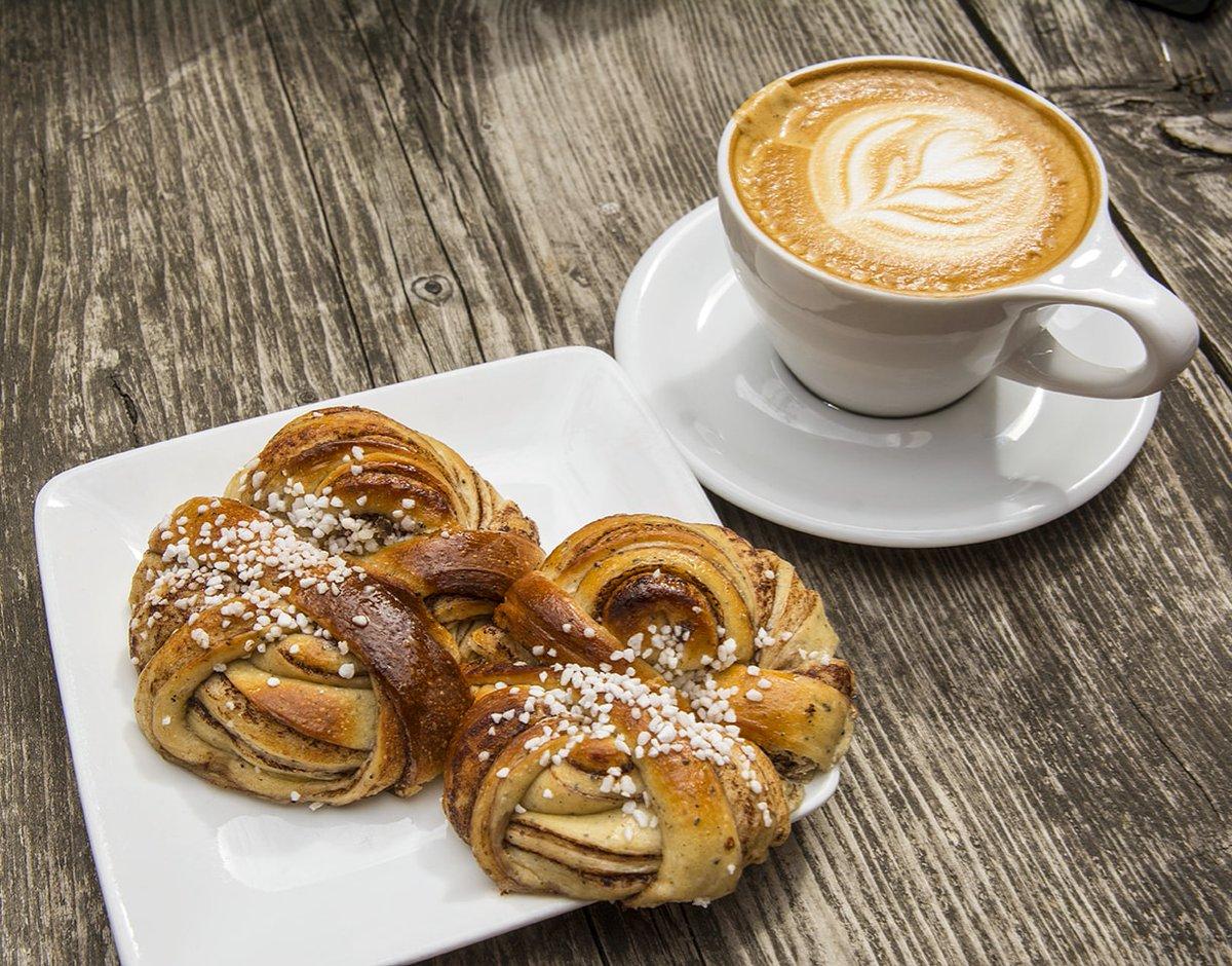 There's always time for #fika! ☕#fikabreak #sweden #gothenburg #coffee #latte #pastries #JustGoShoot #InstaPhoto #PicOfTheDay #PhotoOfTheDay #Capture #Photography #Camera #Composition #Photoshop #Instafocus #Visuals #Aesthetics #ThroughTheLens #TravelTheWorld #travelphoto