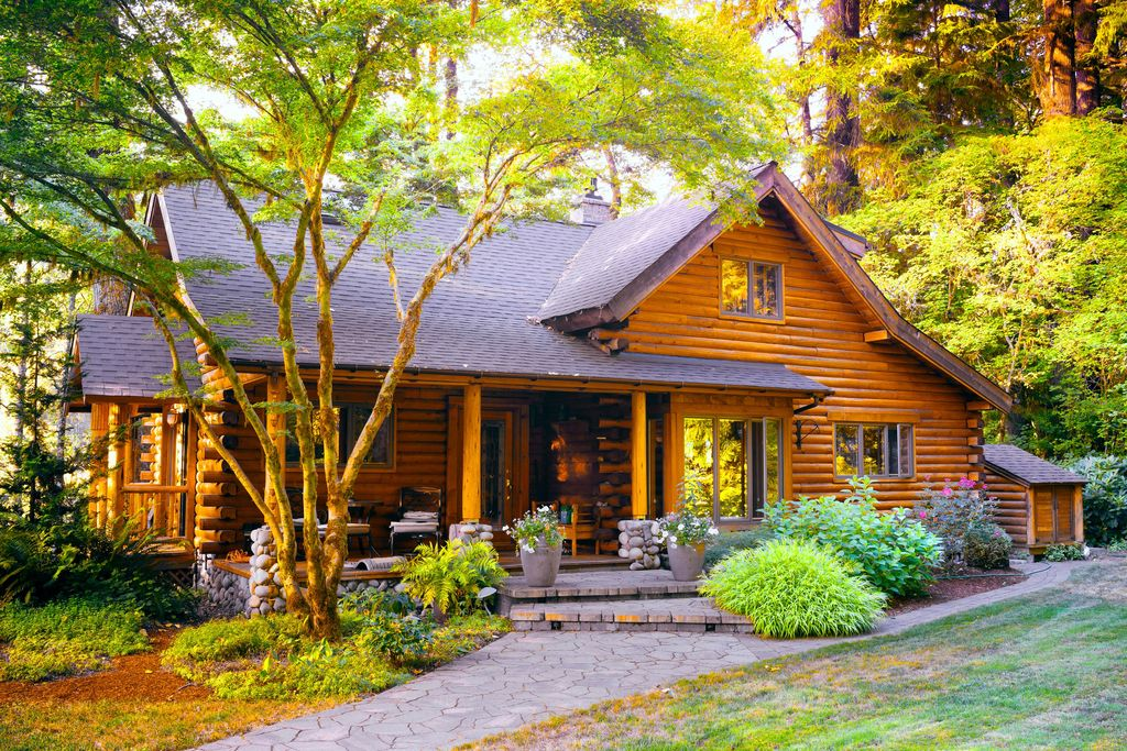 Have you ever thought about investing in a vacation home? Perhaps, a cabin style property like this?  As Always:  Making Real Estate Really Easy!  Jami Schwager, Realtor United Real Estate... http://www.facebook.com/1008636802540858_3554619147942598 …pic.twitter.com/9gktomJ329