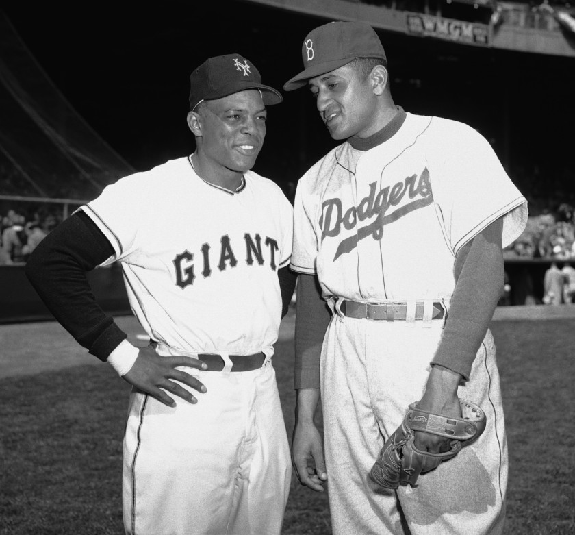 Negro League veteran Don Newcombe (pictured w/Willie Mays) signed with the Brooklyn #Dodgers prior to the '46 season. The 6'4 right-hander was the 1949 NL ROY, 1956 NL Cy Young and MVP, and in 1955 set a NL record for HR hit by a pitcher, slamming (7) bombs