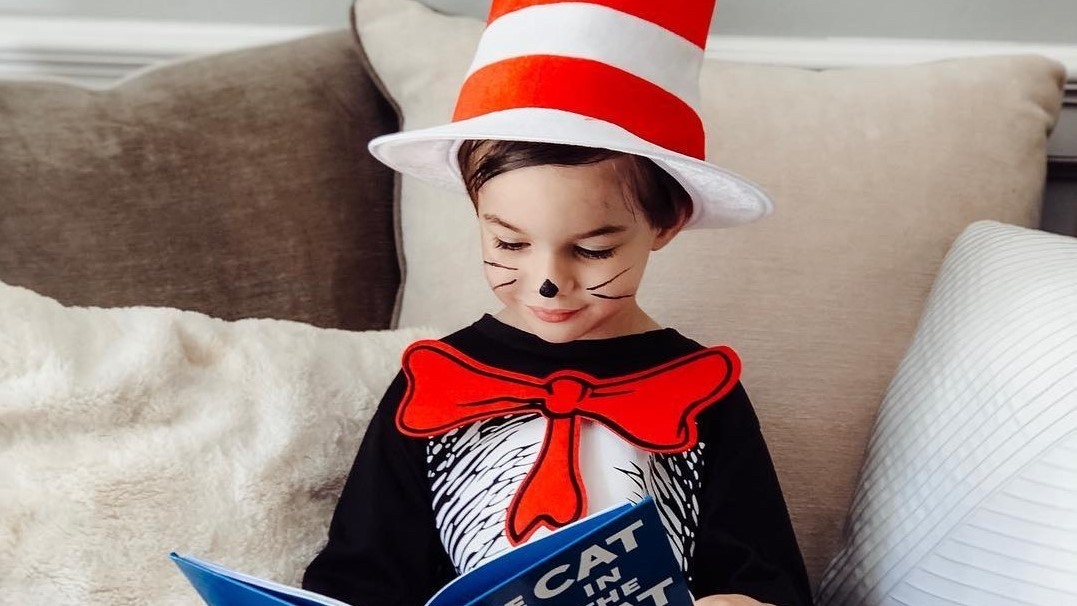 RT @PartyCity: There's something about that Cat in the Hat that makes them put on their thinking cap! See our Dr. Seuss hats, costumes & accessories: http://bit.ly/2vue1PX : @adventureswithmylittle pic.twitter.com/HsDfXrytzZpic.twitter.com/ydM5LuLOHQ