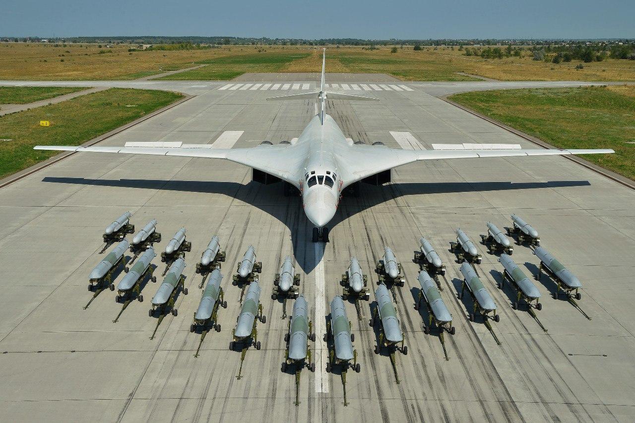 "Tu-160 ""White Swan"" - Page 32 ERucyVlWoAI-rnO?format=jpg&name=large"