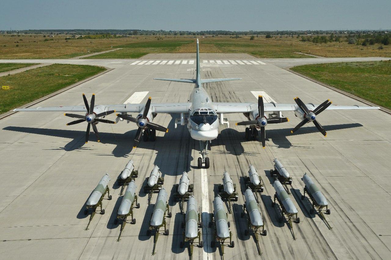 """Tu-95MS """"Bear"""" - Page 8 ERucyVtXsAYJsTa?format=jpg&name=large"""