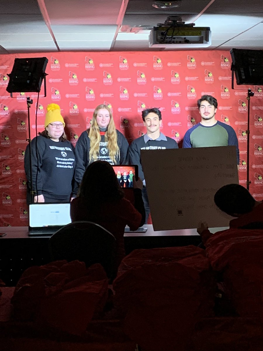 #BTS photo of students filming a video thanking donors during Redbird Philanthropy Week! #YourRedbirdLifepic.twitter.com/RQ7iD7UZFS
