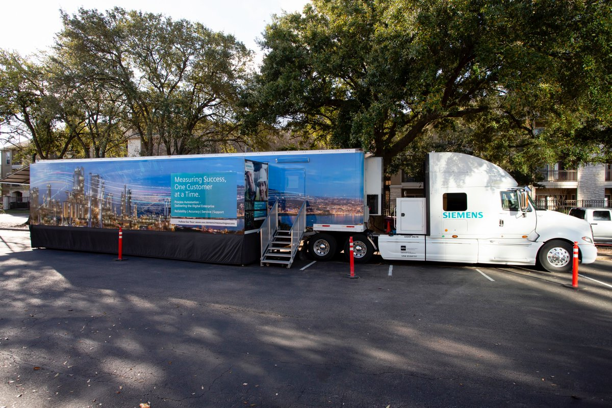 The Process Automation Innovation Tour has successfully started today in Houston. #Siemens is bringing the exciting opportunities of #digitaltransformation to its customers. Learn more about the tour and next stops here https://t.co/Yxo85InxKg https://t.co/PONXFnFlV6