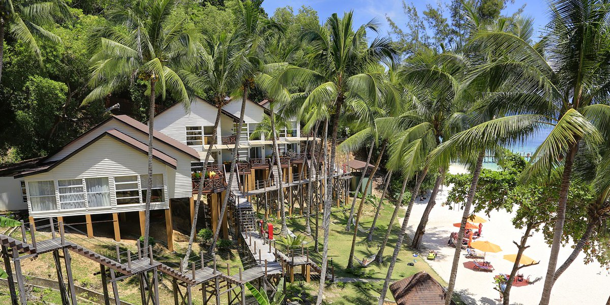 Stay on a tropical #island, laze on the #beach, work on that tan, enjoy a world class sunset in a 5 star resort in #Borneo! 20% off when u insert promo code ''LEAPYEAR2020'' at checkout to enjoy massive savings.  Book your tropical island getaway now :