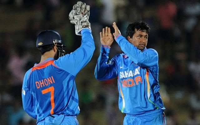"""""""Dhoni was a bowler's captain. I strongly believe that a bowler should have a captain who understands him. A lot of bowlers praise Dhoni because of the dimensions he gives you, things that he helps you with like placing the field, keeping your mind clear,"""" - Ojha <br>http://pic.twitter.com/acSr0YN4Rp"""