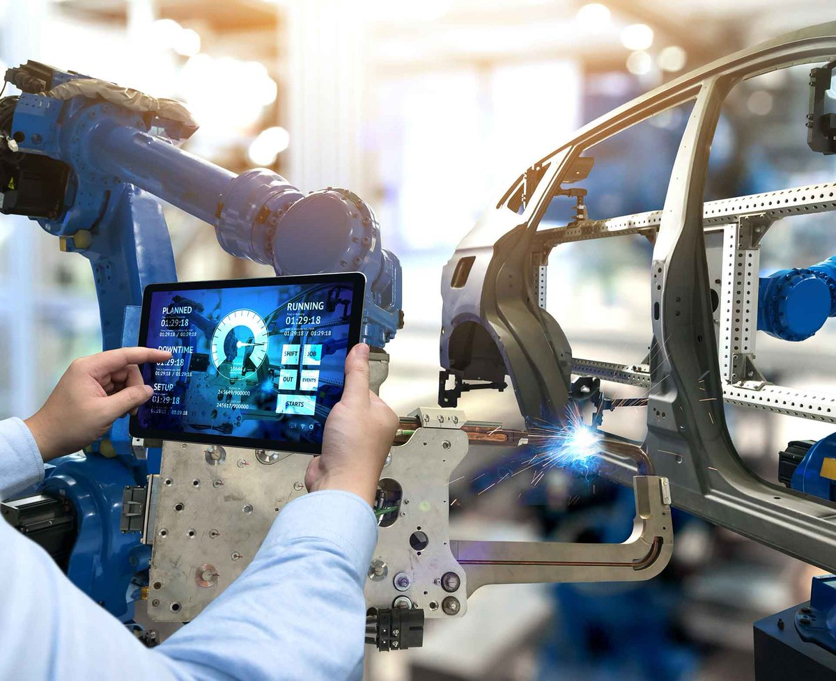 'Our goal throughout the industrialization journey: Reduce #technology and #manufacturing risk at every turn by leveraging digital tools and physical equipment' - @dan_gamota   #smartmanufacturing #SmartProduct #Industry40