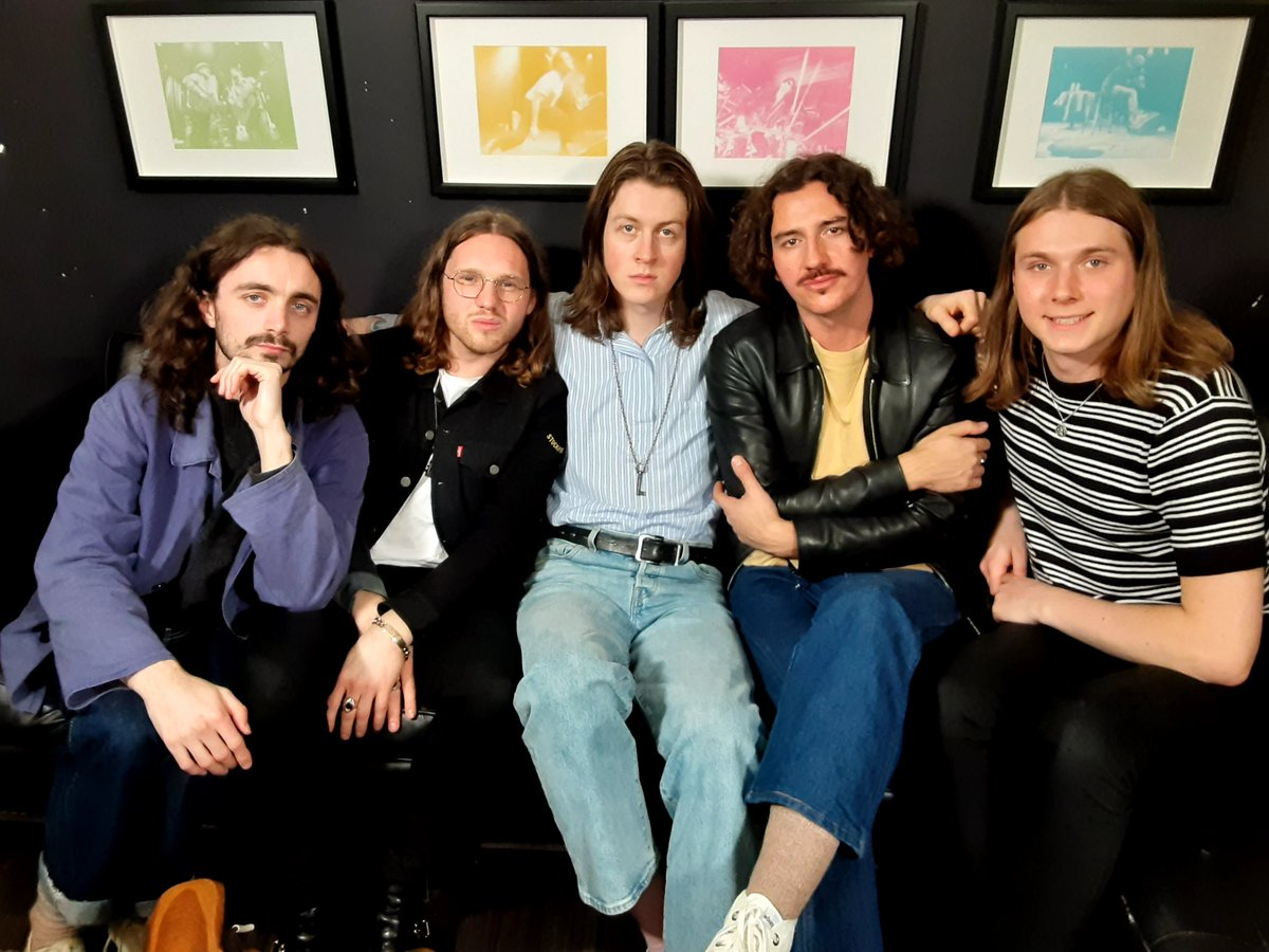 Check out @BlossomsBand's tour tips on the road 🚌