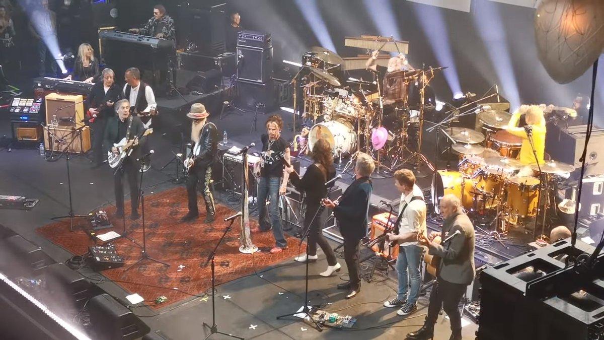 Mick Fleetwood, David Gilmour, Pete Townshend & More Play Peter Green All-Star Tribute Concert - JamBase  http:// dlvr.it/RQq0gk     #BillWyman #BillyGibbons #DavidGilmour #JohnMayall #MickFleetwood<br>http://pic.twitter.com/cmvcIu9yeG