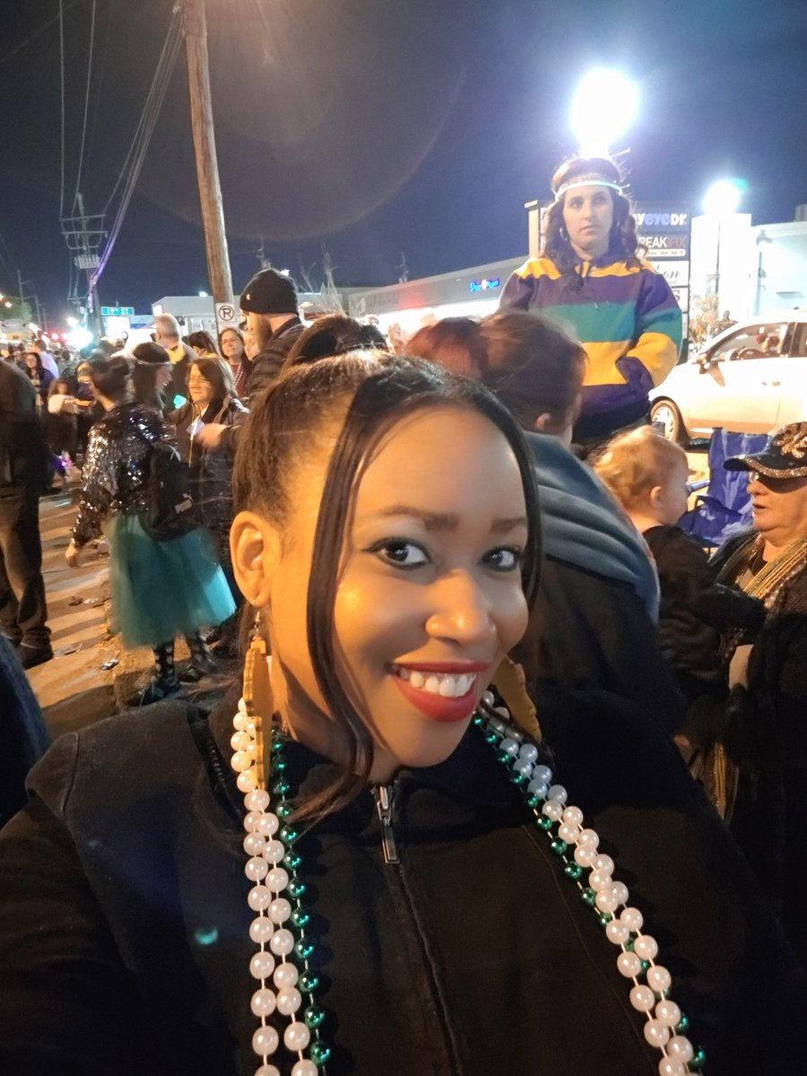 Mardi Gras: Photo Recap https://www.faithfulandfabulousfemale.com/index.html #lbloggers #bbloggers #fbloggers #blackbloggers #blackswhoblog #browngirlbloggers #MardiGraspic.twitter.com/8dswmkqySk