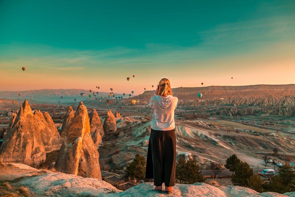 You'll float too 🎈 🇹🇷 ~ ~ #holidays #travel #seek #explore #travelseekexplore #travelblogger #travelphotography #travelgram #vacation #vacay #wanderlust #wander #doyoutravel #travelmore #roamtheplanet #l4l #igdaily #f4f #turkeytour #turkey #istanbul