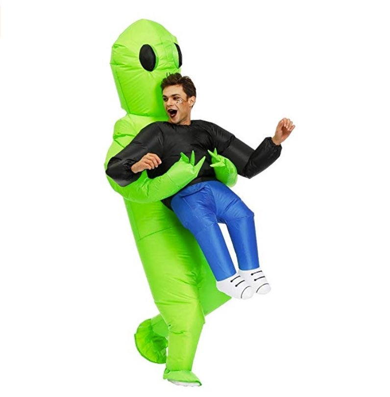 This super fun inflatable costume appears as if an alien is carrying you off to his flying saucer! FOLLOW @feed_gift ⠀ Link http://www.gift-feed.com ⠀ Also don't forget to check out our Weekly Giveaways !⠀ #prank #pranks #prankster #prankindonesia #prankvideo #Costumepic.twitter.com/OXVrsWZUQ9