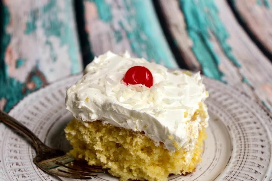Pina Colada #cake. #easyrecipes #foodstyling