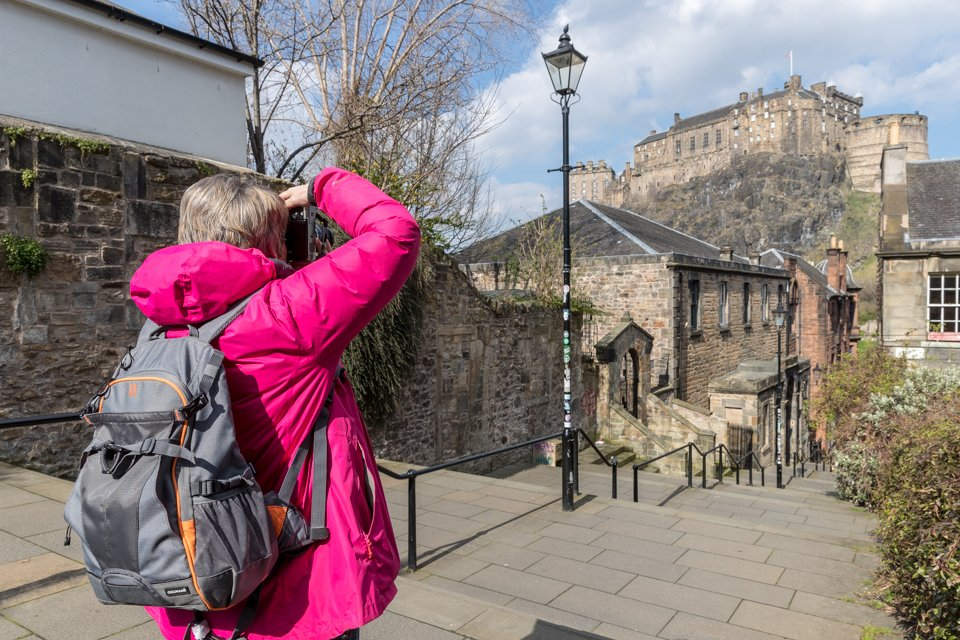 Is your camera failing to get the pictures you'd like to take?  Come and learn how to make your camera work for you in Edinburgh's Old Town in just four hours - Find out more at   #photography #photographycourse