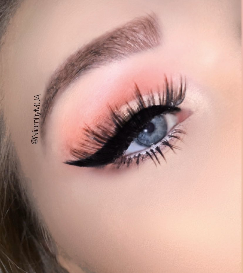 Pink cut crease 💗 #cutcrease #pink #pinkmakeup #pinkcutcrease #mua #makeupartist #featureme #follow #like #retweet #PRlist? #toofaced #nyxcosmetics #hudabeauty #makeuprevolution #niiamhyMUA #Cosmetics #undiscoveredMUA