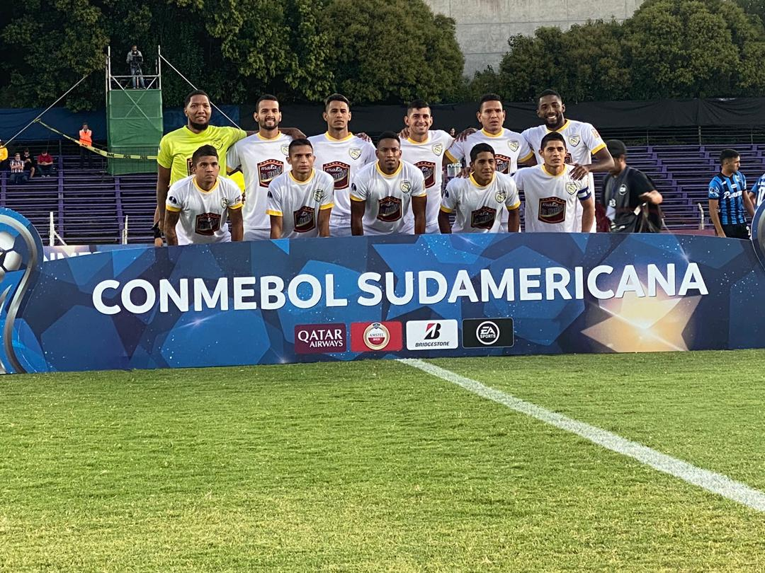 #CONMEBOLSudamericana     #LlanerosEF se despide de su travesía por el #torneointernacional con derrota de 5x0 en #Uruguay  ante el #LiverpoolFC, El Batallón Santo viajó con una plantilla al límite  y no logro anotar un gol en ninguno de los dos partidos .    #Venezuelapic.twitter.com/oFgpdZhS7D