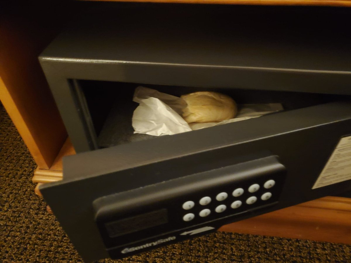Wanted to feel like someone who has stuff that actually needs to be locked in a hotel safe, so I put this leftover garlic bread in there because I couldn't stop eating it.#thingsinsafes #travel #Hotel #work #treasure #WednesdayVibes #Bread