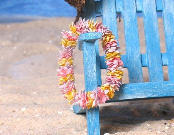 Aloha! #Miniature Hawaiian Lei for dollhouses and other small scenes -  #beach