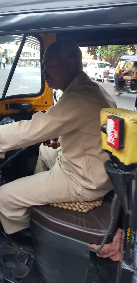 @MumbaiPolice @RoadsOfMumbai @MumbaiRTO This guy refused a ride from Thakur Village to Kandivali station. Upon asking why he cannot go, he said he only runs between Borivali to Kandivali. Such cockroaches should be taken off the road. pic.twitter.com/JdKOT2FNX4
