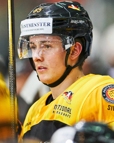 .@adlermannheim @ToddHlushko For German hockey fans, Mannheim product Marc Michaelis kicks off NCAA comeback in grand style. Story - http://www.wcha.com/men/articles/2020/02/bemidji-states-muck-minnesota-states-michaelis-mckay-and-sowder-earn-wcha-player-of-the-week-honors.php…pic.twitter.com/VFfnwCxEVi
