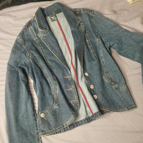 So good I had to share! Check out all the items I'm loving on @Poshmarkapp from @breezyvonbreezy @GreyandMauve #poshmark #fashion #style #shopmycloset #frenchcuff #ralphlauren #peserico: