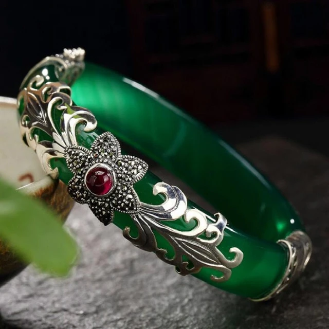 925 Sterling Silver Chalcedony Stone Bangle. Women Vintage Fine Thai Silver Jewelry Marcasite Flower Bangles  Get this at:   Visit  for more!  #jewelry #Accessories #style #fashion #bracelets #bangles #SterlingSilver #stone #green