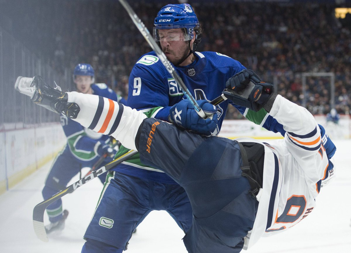 There are only two NHL players with 60+ points & 100+ hits this season:  1- J.T. Miller - 63 pts, 105 hits 2 - Alexander Ovechkin - 60 pts, 167 hits   #Canucks <br>http://pic.twitter.com/lwQfNlFAZ3