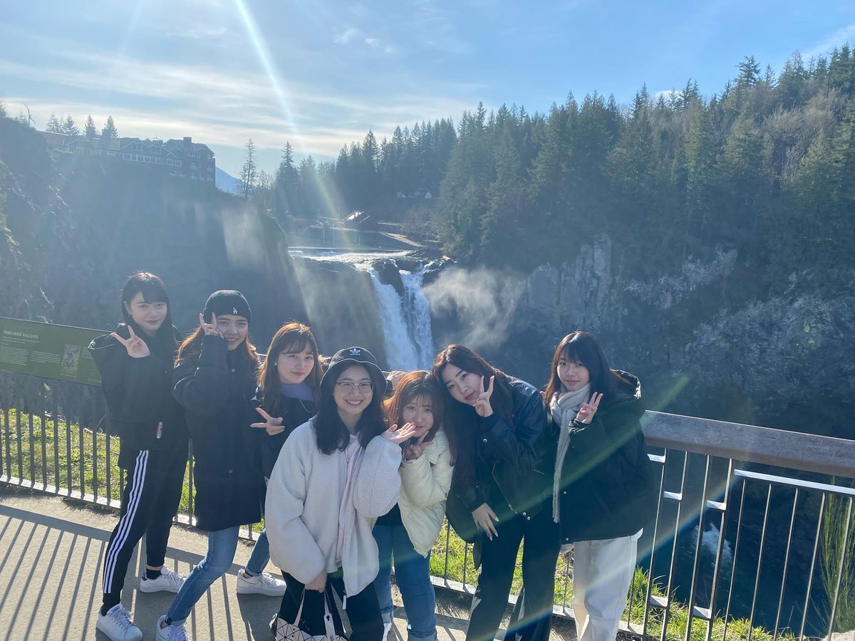 海外英語実習(アメリカ)の参加学生はシアトル近郊の観光地巡りをしてきました。当日は天気も比較的良かったみたいで、皆さんは楽しい散策時間を過ごしたようです。 #名短英コミ #4週間留学プログラム #海外英語実習 #ベルビュー #アメリカ