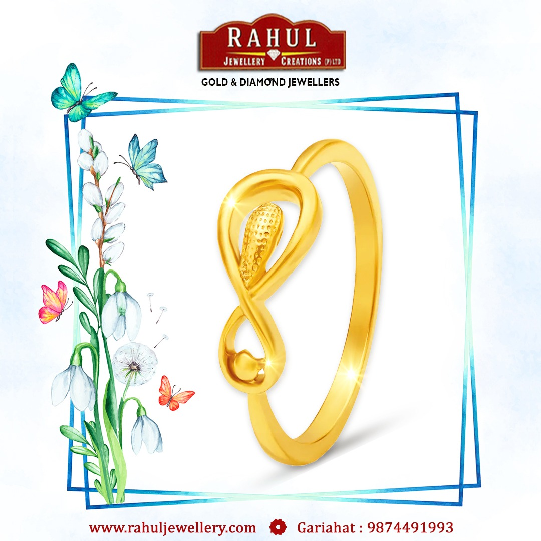 Make her your soul mate by inserting this ring in her finger.  098744 91993 . . . #RahulJewellery #kolkata #jewellery #fashion #gold #love #style #jewels #wedding #ring #indianjewellery #shopping #jewelleryaddict #fashionjewelry #gift #jewelleryloverpic.twitter.com/fP9aN1vHqc