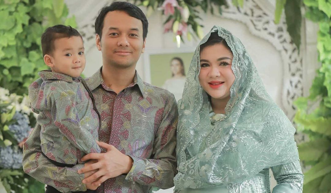 Selamat! Vicky Shu Akhirnya Lahirkan Putra Kedua. Potret sang Bayi Curi Perhatian~ http://dlvr.it/RQqbrspic.twitter.com/LRVaFA4P8P