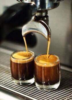 Buongiorno! #27febbraio #TuesdayMorning #coffeetime @confusa11 @MARIELLA7172 @letiziadevaddis @rosaliapipia @RosariaMennillopic.twitter.com/nYU5nXvZi5