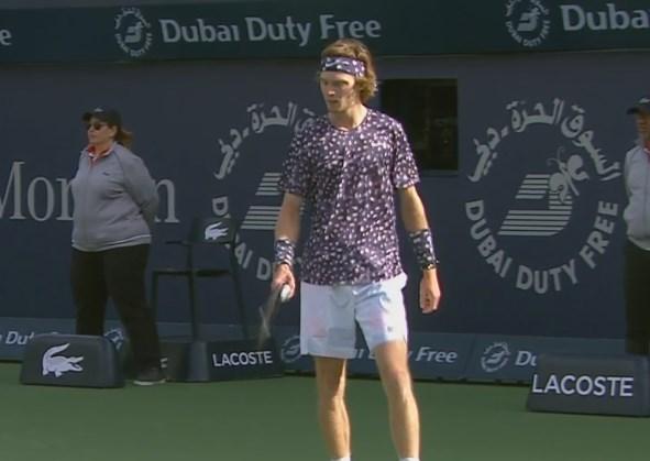 Daniel Evans y Andrey Rublev ya juegan por un lugar en las semifinales del ATP 500 de #Dubai.  En vivo ▶   #TENISxESPN