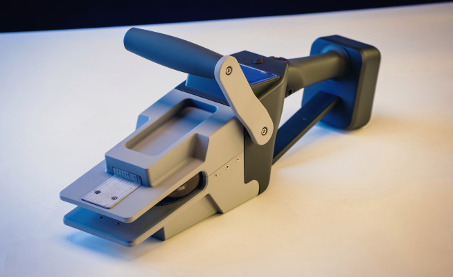 ShapeMeasure's smart tool and robotic cutter let contractors measure once and cut never http://dlvr.it/RQrSWbpic.twitter.com/YGQvCSF2ch