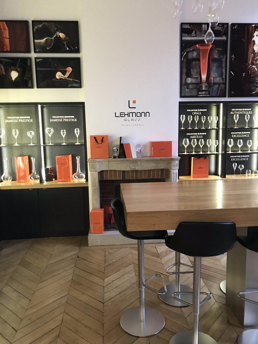 Ce matin rendez-vous chez #lehmannglass à @VilledeReims  un nouveau projet pour @lescornichons_ . #reims #champagne #local #madeinfrance  #entrepreneurpic.twitter.com/mf2OHGimlE
