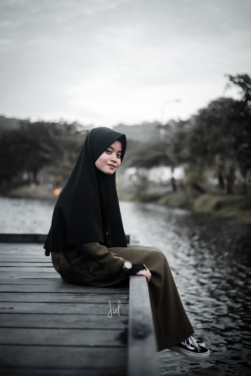 Beautiful girl in Beautiful Lake.  - @ainunrhmn  #art #photography #photoediting #hobifoto #hijabphotography #hobby  #eynesia #womenmagz #womanlook #womensfashion #womenstyle #womanportrait #portraitpage #womeninlens #womenact #womenactivity #ladiesmagz #wicidaphotographypic.twitter.com/io3VH9jn87