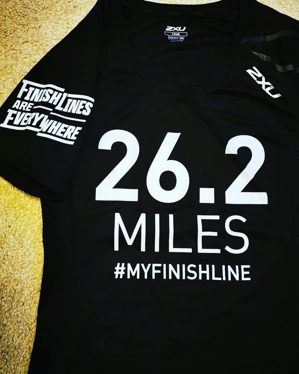 This is just perfect #2xu #marathonrunner #finishline pic.twitter.com/S1isuMIVtX