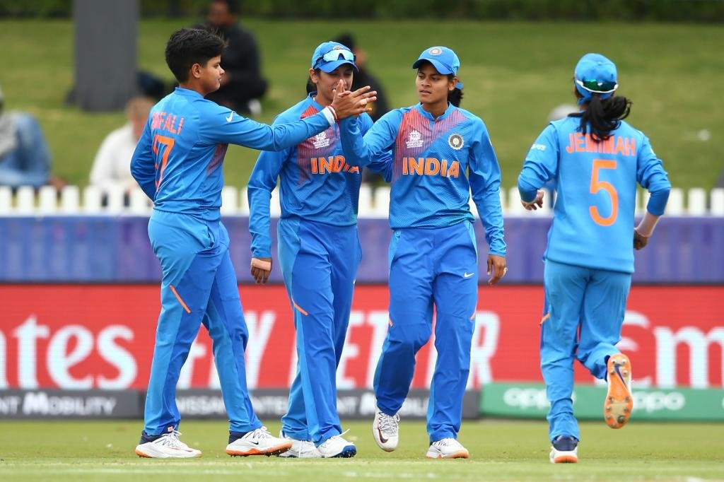 Wah bhai Wah ! Great effort by the girls to hold on to their nerves and beat New Zealand and qualify for the semi finals of the #T20WorldCup   Shafali Varma is a rockstar. Anand aa raha hai ladkiyon ka performance dekhne mein.<br>http://pic.twitter.com/euq2368NTF