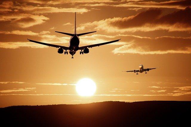 #Airport photo by ThePixelman @Pixabay  #aircraft #landing #sky #photo #photography #beautiful #travelphotography #travelphoto #pic