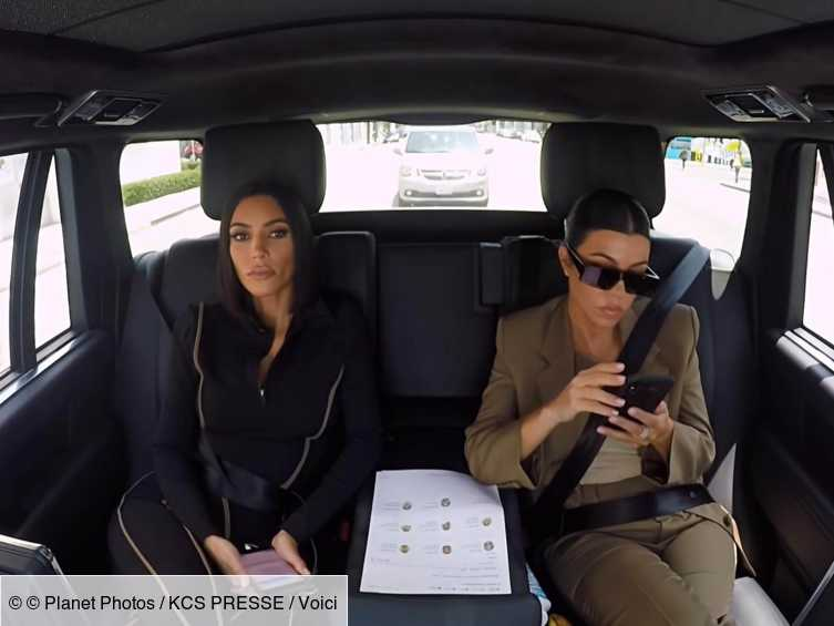 Kim Kardashian : les images de sa violente bagarre avec sa soeur Kourtney dévoilées...  Voir ici - http://bit.ly/2T47CED  #KimKardashian #instagram #KourtneyKardashian #iziva #people #telerealite #famille #kardashianpic.twitter.com/028XKO3LwZ