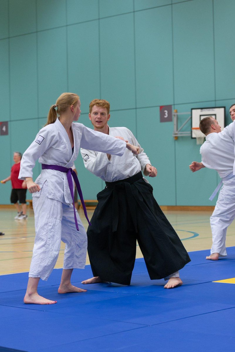 Ever wanted to learn essential self-defence skills?   The @plymjitsu club are offering FREE self-defence classes on Tuesday evenings to all @PlymUni students.  http://loom.ly/Gr4hHL0   #SUempower #SUsocial #TeamPlymouth #SelfDefence #MartialArts #upsu #students #plymouthpic.twitter.com/ezMEexJZgC