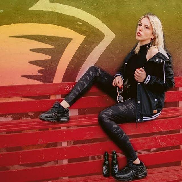 Etwas chillen? #2019 #Berlingirl #berlinmodel #berlingirls #berlincitygirl #Portraitfoto #Canon #Frau #Tamron #portrait_today #portraitoftheday #portraitmadeingermany #portraituniverse #Modelshoot #portrait_vision #portraitgames https://ift.tt/385INMupic.twitter.com/g1zYr54Ne0