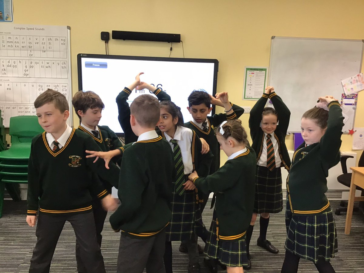 5J have been using drama this morning to explore the perspectives of the errand boy and the whispering woods. #theerrand<br>http://pic.twitter.com/CeYuwuQRV3
