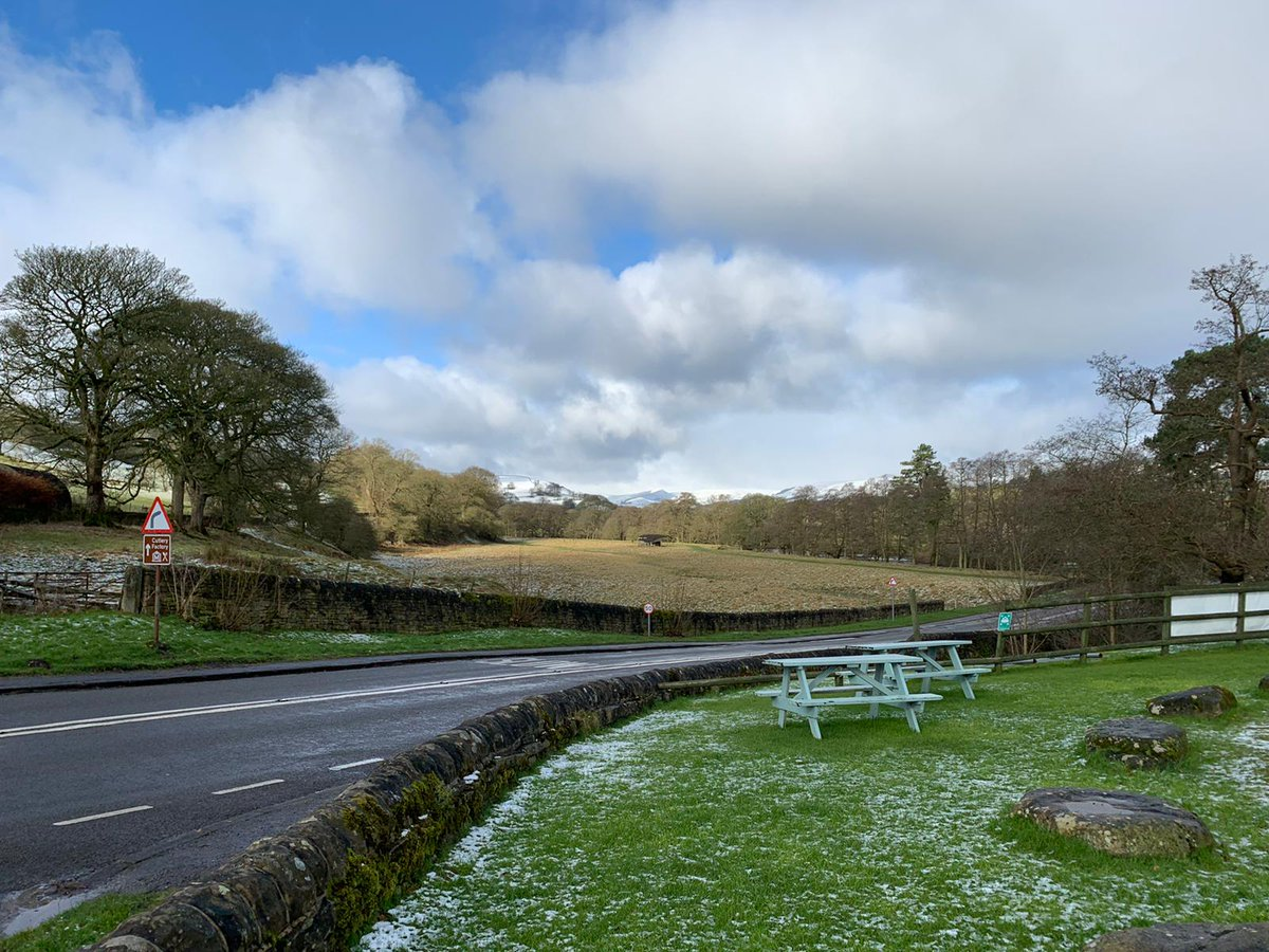A little dusting in Hathersage.  #Pretty #Scenic #PeakDistrict   All roads are in top condition, our logfire is keeping us toasty, so come on in for a delightful countryside lunch!   Menu: