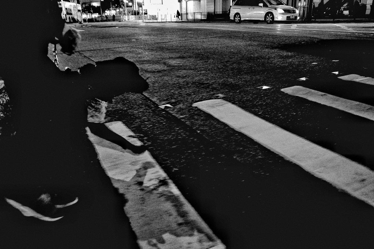 #Dog  #ricoh #GR3 #griii #streetphotography #blackandwhitephotography #bw #bnw #Blackandwhitephotos #monochrome #Blackandwhite #bnwphotography #lensculture #lensculturestreets  #cityscape #urbanphotography #NightPhotographypic.twitter.com/uClTMNVFS8