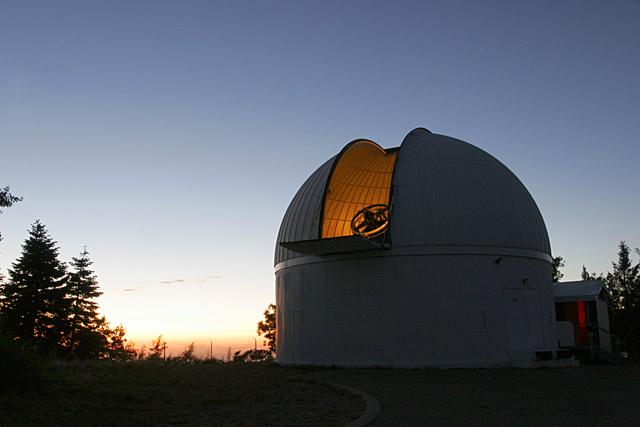 今月一番びっくり!地球に「第2の月」見つかったって直径2~3メートルの小惑星が地球の重力に捕まり、3年ほど前から衛星になっていたらしい発見者 @WierzchosKacper にメールしたら「興奮している」 と即レスきた記事↓