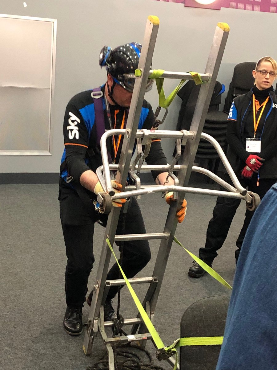 1/3 Yesterday, students from our Computing & Electrical Installations courses enjoyed an onboarding session delivered by the Sky team today. Engineers visited Openshaw campus to welcome successful applicants to their Reverse Mentoring scheme.   #beamazingtmc<br>http://pic.twitter.com/ggWHKeKhUc